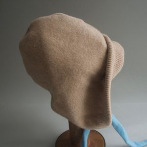 Cashmere King Bonnet – Camel/Blue